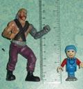 Docteur X fait 10 cm et le bonhomme Brio 5 cm
